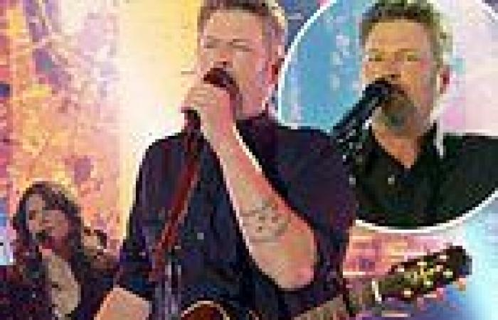 Blake Shelton performs his hit song Minimum Wage live from Nashville