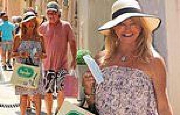 Goldie Hawn heads out for a shopping spree with her partner Kurt Russell in St ...