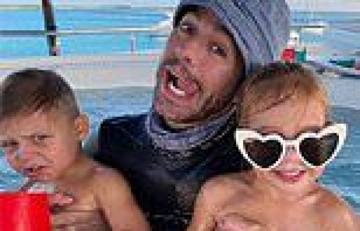 Enrique Iglesias shares a zany Fourth of July selfie with twins he shares with ...