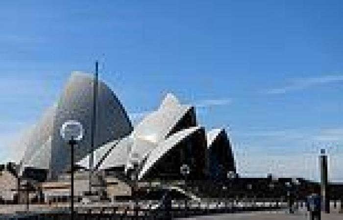 Tradie worked at the Sydney Opera House for SIX DAYS while infected with Covid