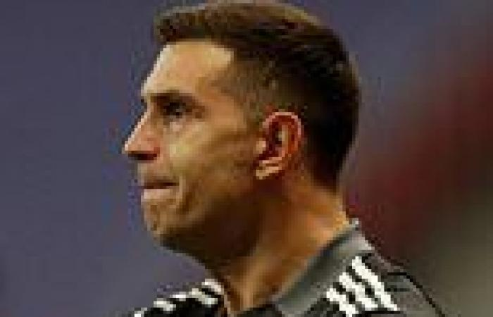 sport news Argentina 1-1 Colombia (3-2 pens): Emiliano Martinez saves THREE penalties in ...