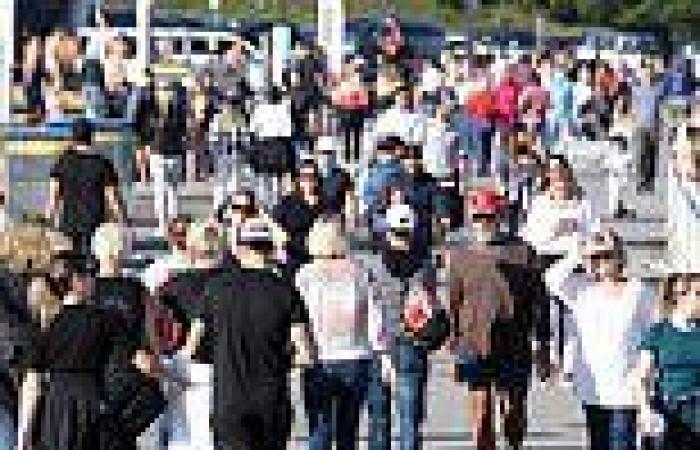 Coronavirus Australia: Lockdown may be extended again as police crackdown on ...
