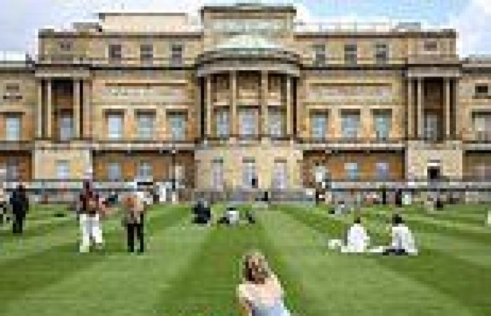 Buckingham Palace garden prepares to open to the public for self-guided tours ...