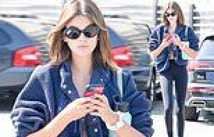 Kaia Gerber cuts a very stylish figure as she arrives at a gym in Los Angeles