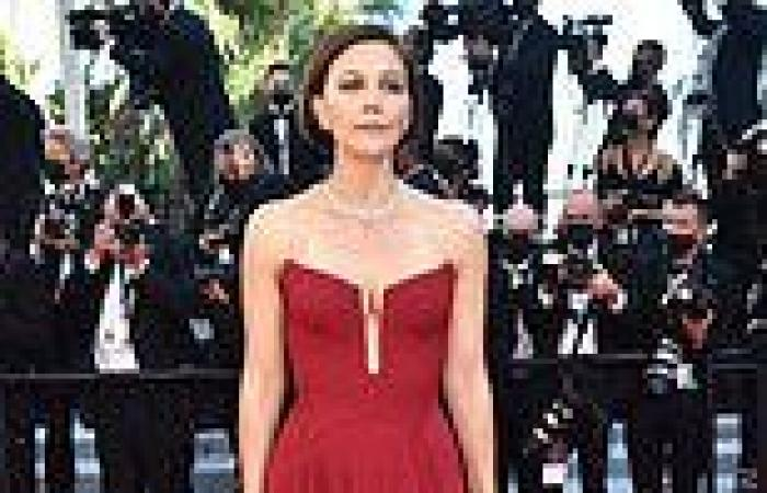 MaggieGyllenhaal oozes glamour in a strapless red gown at Benedetta screening ...