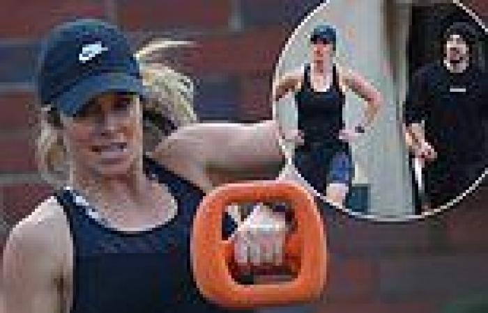 Candice Warner shows off her bulging biceps in workout session with celebrity ...