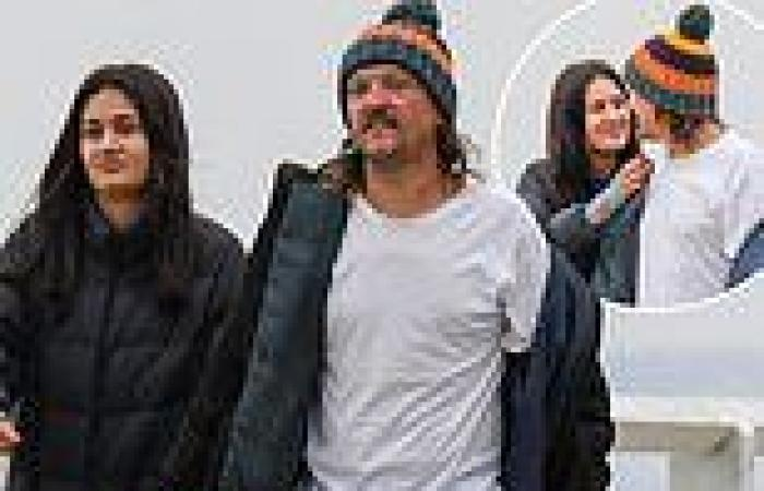 Chris Lilley and his girlfriend Gabriella Pereira enjoy ocean view stroll amid ...