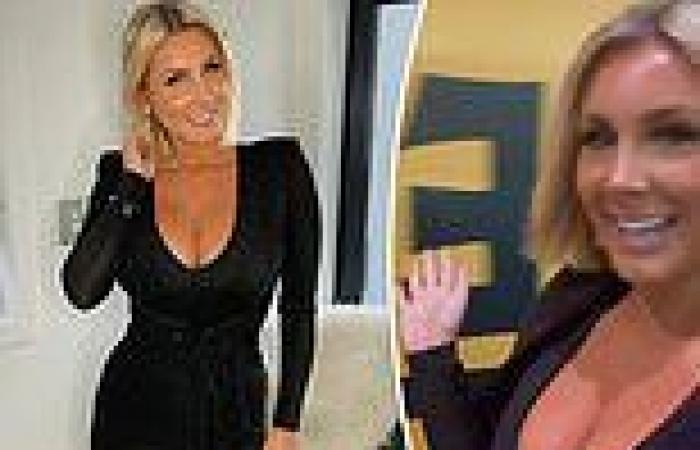 Former Bachelor star Zilda Williams flaunts her double E-cup cleavage