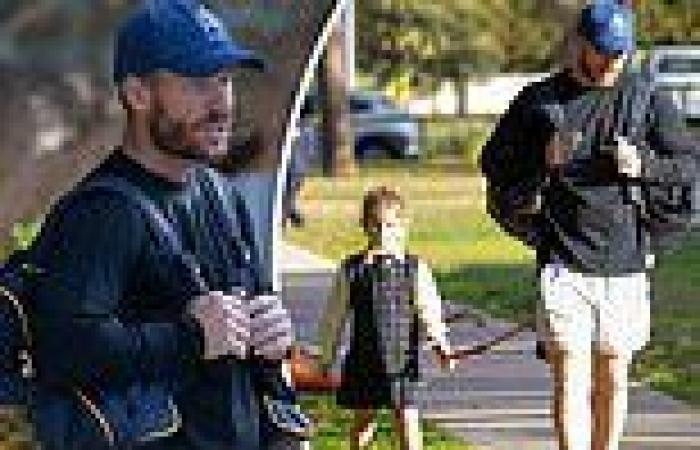 Cricketer David Warner picks up his kids from school amid Sydney's COVID ...