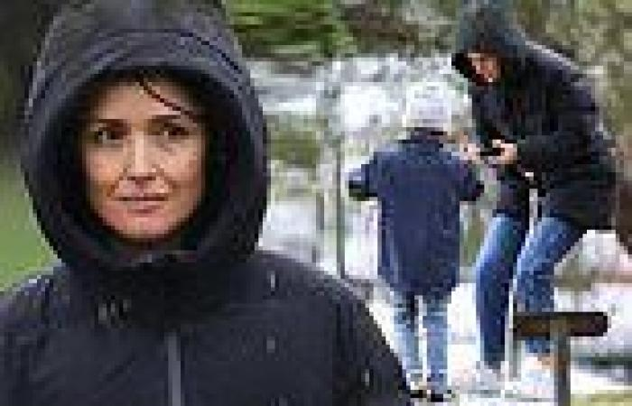 Rose Byrne spends time with her son at a park during Sydney's lockdown