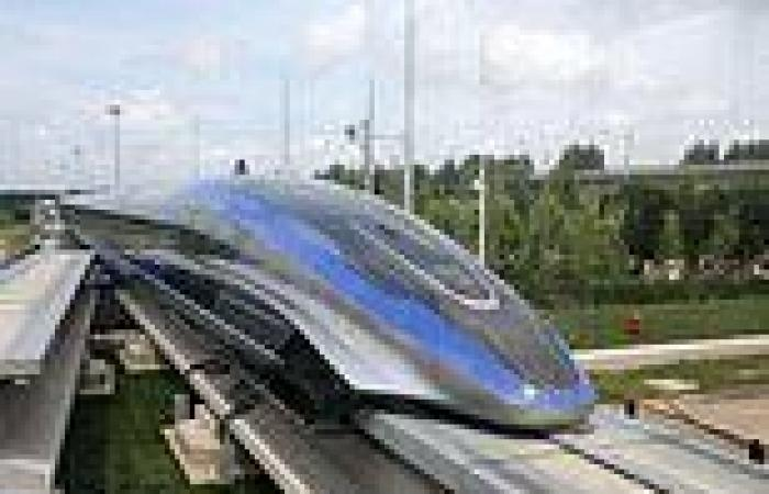 China unveils 'world's fastest' high-speed train capable of travelling more ...