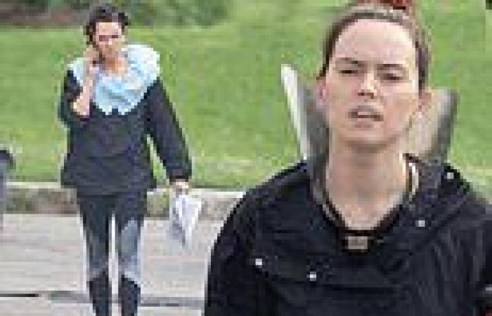 Daisy Ridley wanders around set of The Marsh King's Daughter makeup-free in ...