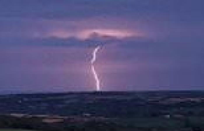 UK weather: Lightning, hail and four inches of rain batter staycationers on ...