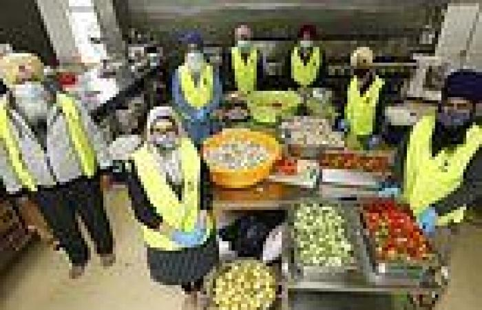 Selfless Sikh volunteers work tirelessly to deliver free meals to Melburnians ...