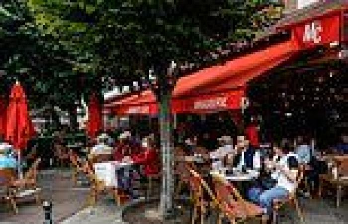 Unvaccinated Aussies could be BANNED from pubs and restaurants just like France ...