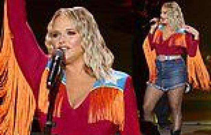 Miranda Lambert brings the drama in orange fringed shirt and glitter tights at ...