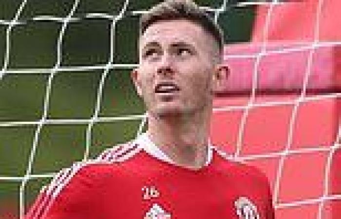 sport news Man Utd's Dean Henderson to skip pre-season training camp in Scotland as he ...
