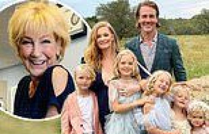 James Van Der Beek details his decision to move to Texas after his wife ...