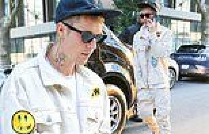Justin Bieber shows love for his own brand as he steps out in head-to-toe Drew ...