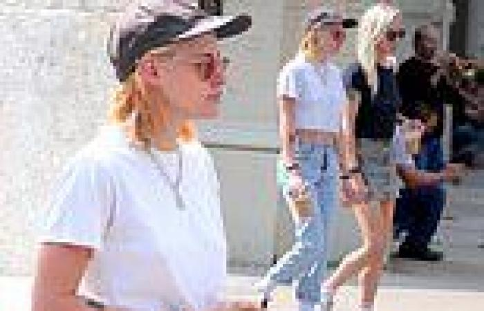 Kristen Stewart cuts a casual figure for a romantic stroll with her girlfriend ...