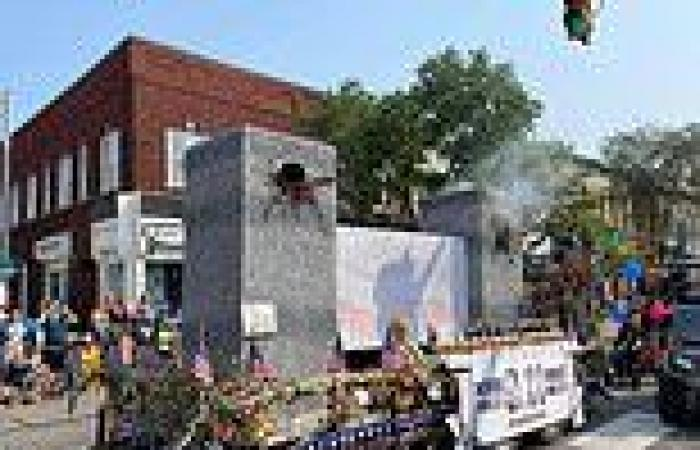 Indiana 9/11 parade float featuring Twin Towers and billowing smoke sparks ...