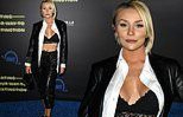Courtney Stodden flashes toned midriff at theEating Our Way To Extinction ...