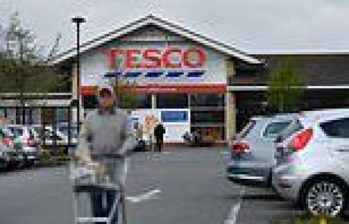 Lorry drivers and warehouse workers at Tesco distribution centres REJECT 2.5% ...