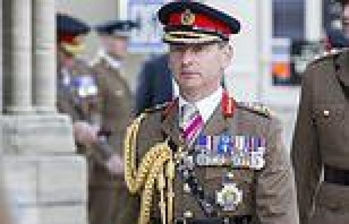 SAS needs more posh officers amid influx of working-class recruits, soldiers say