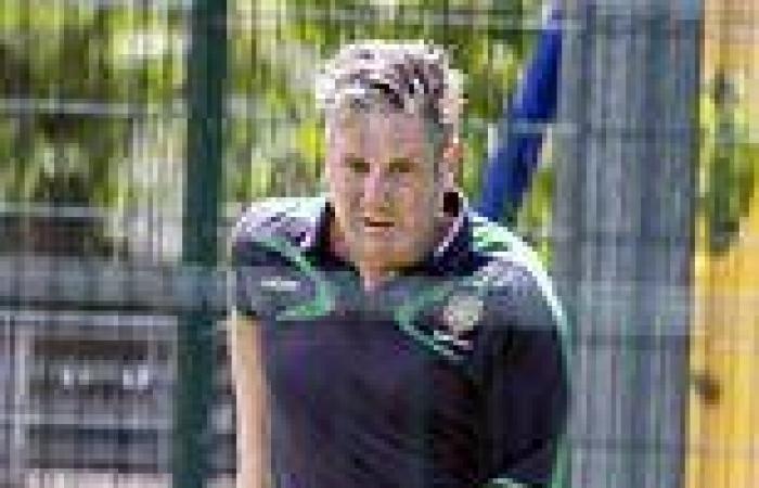 Starmer fails to help sports centre where he plays football