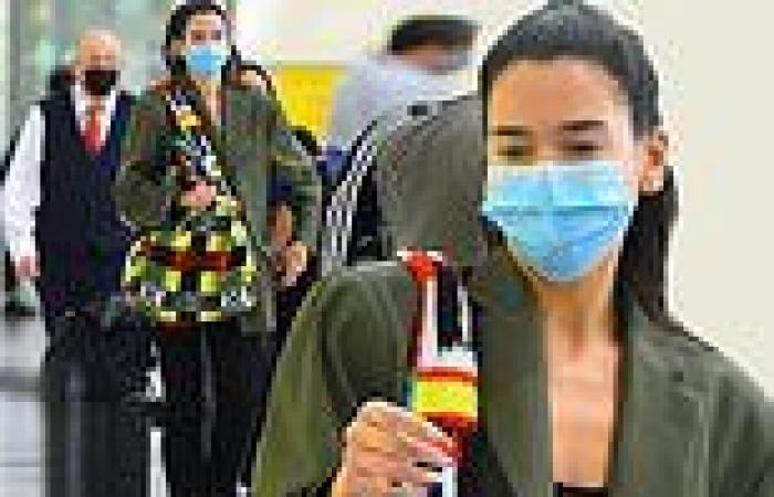 Dua Lipa showcases her natural beauty as she goes makeup free for flight into ...
