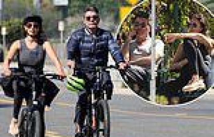 Simon Cowell enjoys a scenic bike ride in Malibu with girlfriend Lauren ...