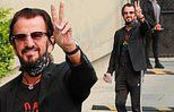 Ringo Starr, 81, flashes iconic peace sign before his appearance on Jimmy ...