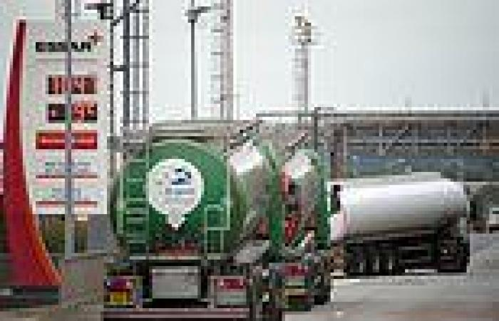 Stanlow Oil Refinery chiefs 'hold crisis talks with HMRC over £223m VAT bill ...