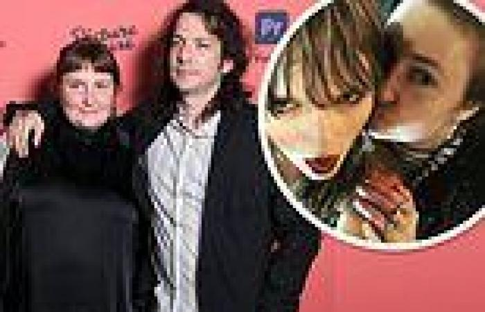 Taylor Swift was the 'guest of honor' at Lena Dunham's secret London wedding ...
