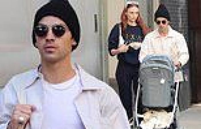 Joe Jonas and Sophie Turner step out for a stroll the night after his band ...