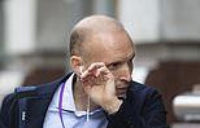 Top oncologist gets blistering tribunal ruling over his treatment of terminally ...