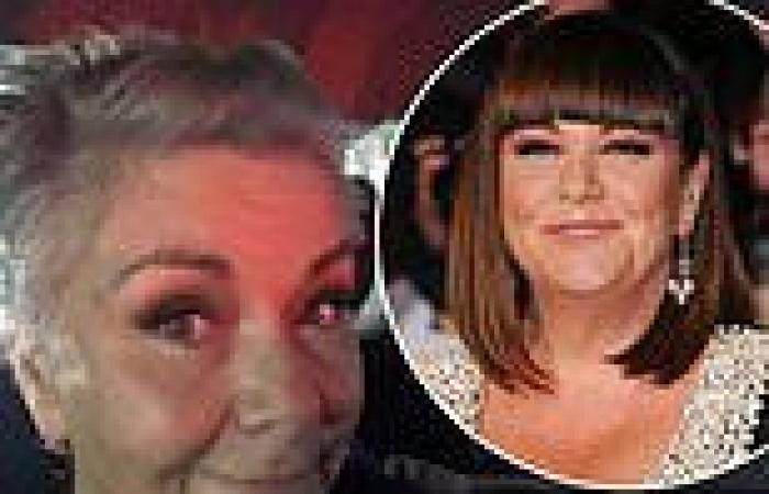 Dawn French, 63, shares striking selfie after debuting a grey cropped hairdo
