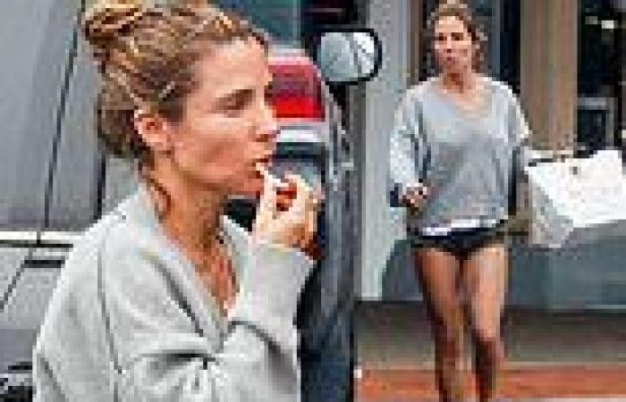 Barefoot Elsa Pataky makes the most of her cheat day as she indulges in ...