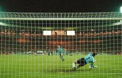 Why some footballers 'choke' during penalty shootouts revealed